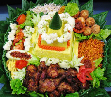 Nasi tumpeng - Lestari Catering